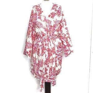 Plum Pretty Sugar ( M ) Red Floral Kimono Robe